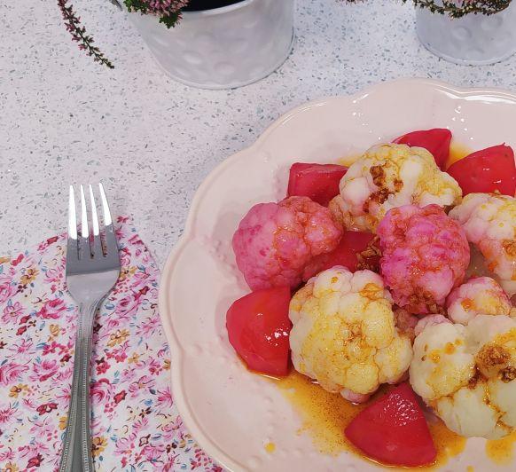 Coliflor con patatas en ajada. Otoño en rosa