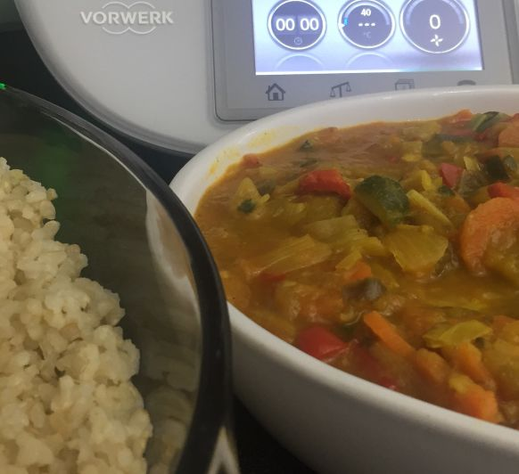 Verduras al curry con arroz