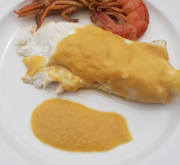 Merluza con gambas en salsa de puerros (Con Truco)