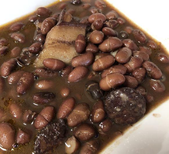 Como preparar Alubias de Tolosa con chorizo y tocino con Thermomix® TM31, TM5 y TM6.